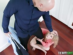 Bald headed boyfriend apropos huge cock J Mac fucks Lilliputian blondie Kali Roses