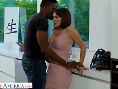 Bodacious busty white chick Krissy Lynn goes black of the first time